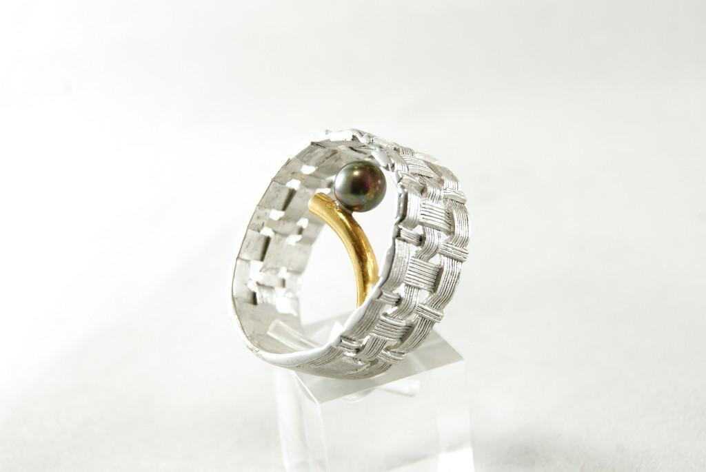 172600839 Anillo Plata con Perla – El Diamante Negro