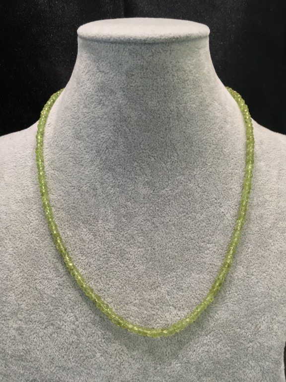COLLAR MINERAL